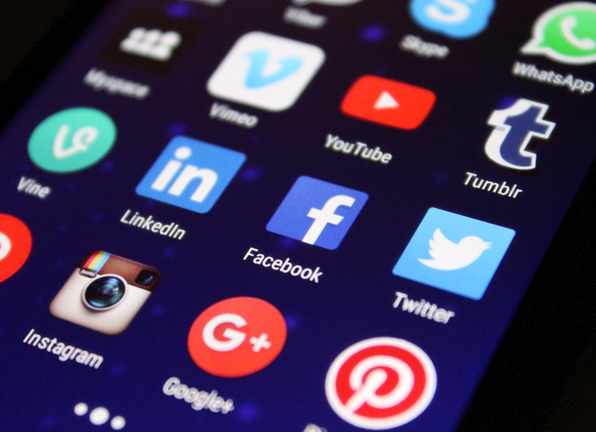 Social Media - callweb.de